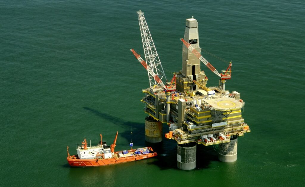 COVID-19 – Nigeria Tightens Rules for Offshore Oil Workers