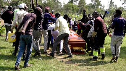 Kenya: Fans flee with pop star's body to mourn his death
