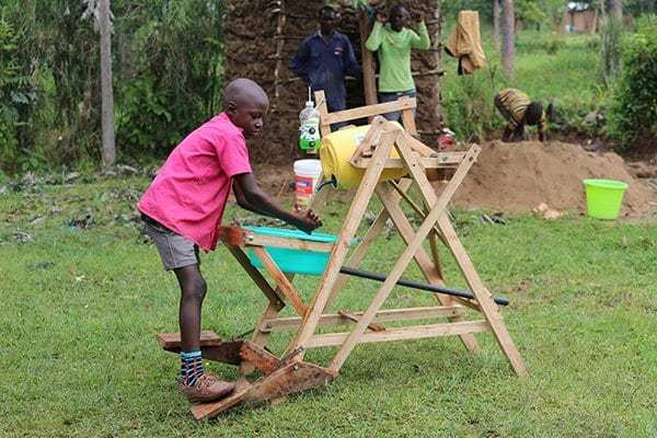 Kenyan Boy Who Made Hand Washing Machine Receives Presidential Award