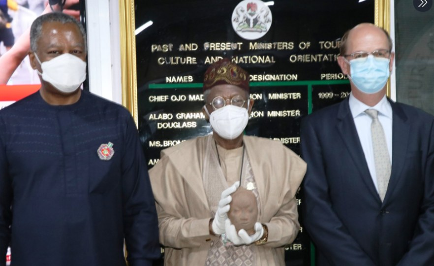 Nigeria: Onyeama Hands Over Repatriated 600-Year-Old Ife Artefact to Information Minister