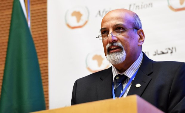 Top South African Covid-19 Adviser Wins John Maddox Science Prize