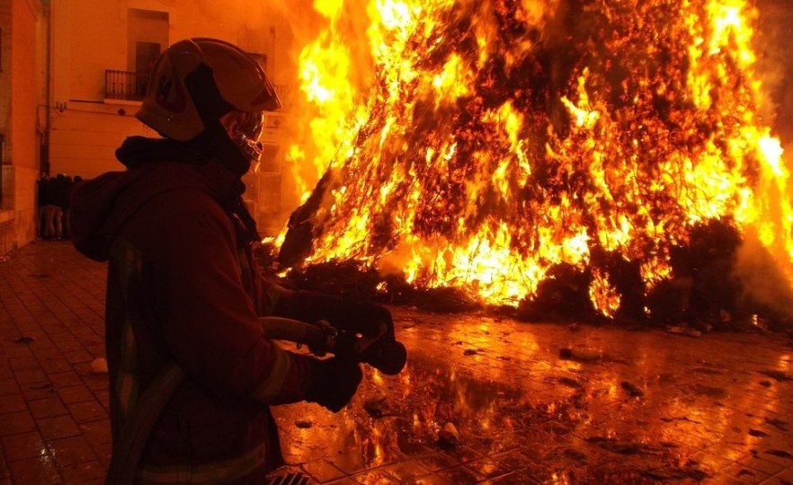 Firefighters Hard At Work to Extinguish Eastern Cape Fires